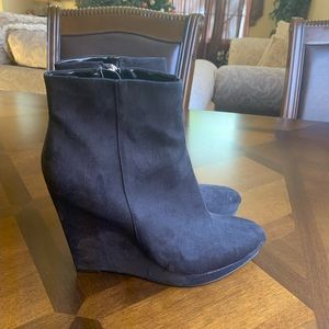 Guess boot wedges